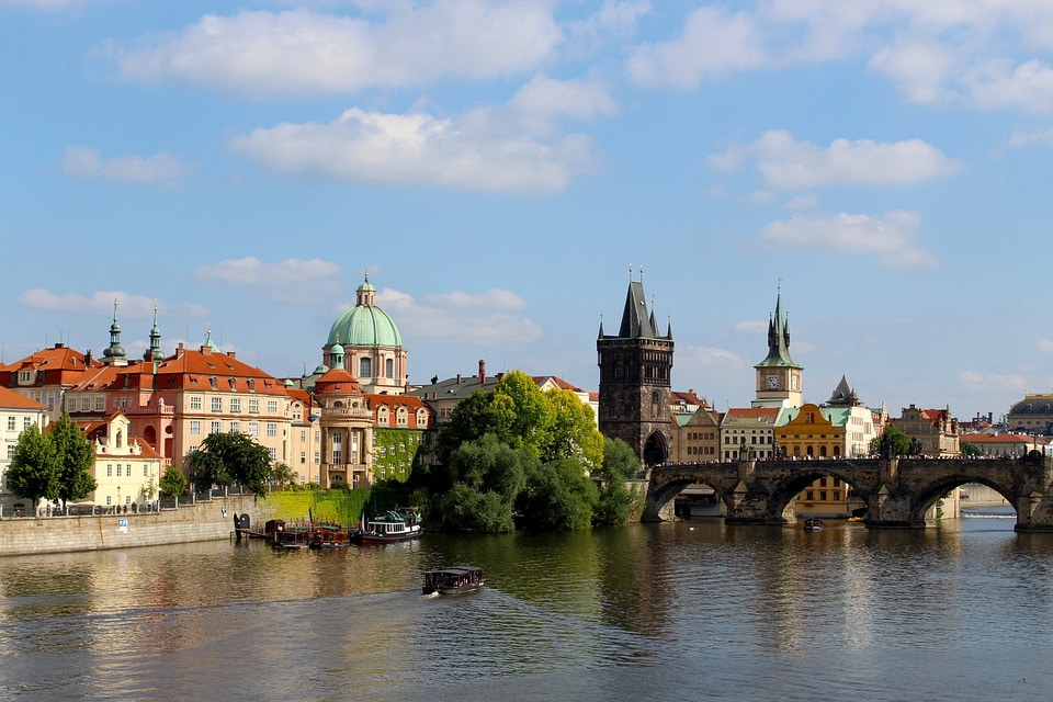 Is it much pollution and dirt in Prague?